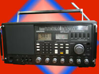 GRUNDIG SATELLIT 650   INTERNATIONAL  black / World Receiver