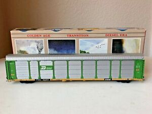 Walthers #932-4810 HO Built 89' Enclosed Auto Carrier - BN #961963 w/box - EC