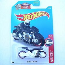 WHITE Street Stealth Police Motorcycle. 2016 HW Rescue. DHT09. New in Package!