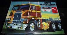 AMT White Freightliner Dual Drive Truck 1/25 Trailer Model Car Mountain FS 620