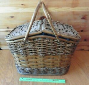 Picnic Time Picnic Basket Wicker wooden woven Navy blue interior w/ accessories