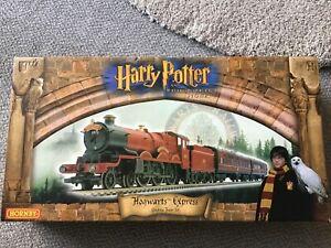 Harry Potter R1025 Hogwarts Express Hornby Electric Train Set - 1st Edition