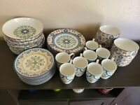 New 222 Fifth Tunisia 40 pc  Porcelain Dinnerware Set for 8 Never used
