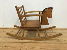 Altes Schaukelpferd aus Buche Holz Pferd Kindersitz