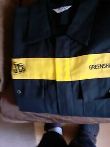 TWO PAIRS OF JCB LOGO  MENS OVERALLS  132T  XXL BLACK WITH YELLOW BAND VGC