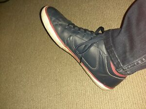 Lacoste High Top Leather Sneaker 9/43