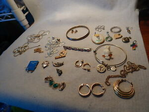 VTG LOT COSTUME JEWELRY MONETFOOLS GOLD STUFF NECKLACE 20 YEAR PIN EARRINGS
