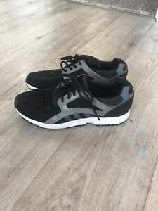 Adidas black, grey & white lace up trainers, size 8 / Eur 42.