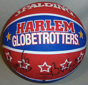 Great -Harlem Globetrotters- Team Signed/Autograph Full-Size Basketball