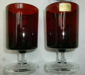 4 RUBY RED RETRO WINE GLASSES with HEAVY BASE - excellent cond - Luminarc France