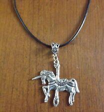 collier ciré noir 47 cm avec pendentif licorne 43x45 mm