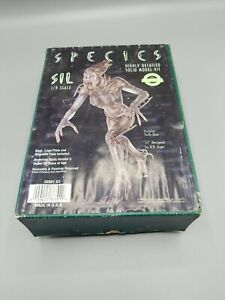 Rare 1995 Species SIL by Horizon Highly detailed solid model Horror Used