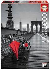 Educa 17691. Paraguas Rojo, Puente Brooklyn. B/N.  Puzzle de 1000 pzs. 68x48cm