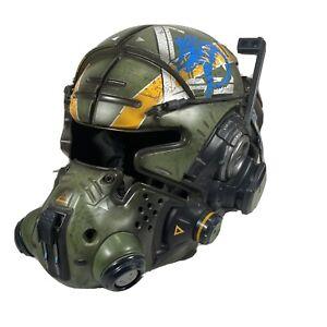 Working Titanfall 2 Vanguard Collector's Edition. Missing Visor **Read Below**