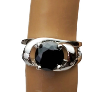 Silver Plated black cocktail ring Size 4 Fashion Jewlery USA Seller