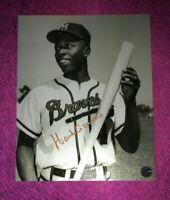 Hank Aaron Hand Signed Autographed 8x10 Photo COA