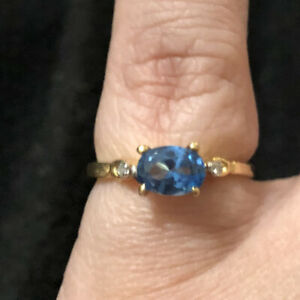 Pretty Blue Zircon Oval Cut And Diamond Ring 10kt Yellow Gold Size 6.25