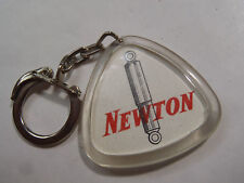 ANCIEN PORTE CLES COLOR AUTOS NEWTON