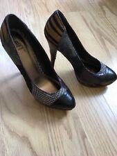 Bakers Shoes Pumps HIGH HEELS SZ 8.5 BROWN BEIGE SLIP ON multicolor snake print