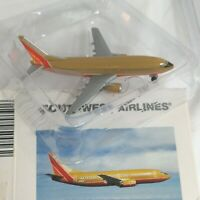 Herpa Wings Boeing 737-300 500562 Southwest Airlines SWA 1:500 Desert diecast