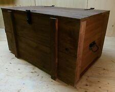 XL Holztruhe Kiste rustikal Eisengriffe Couchtisch Seemannkiste Frachtkiste