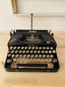 Erika 5 Black Vintage Typewriter - Excellent
