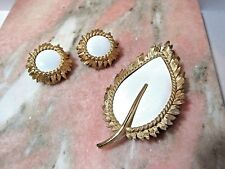 Pin Set Matching Earrings Gold Tone Modernist Signed Napier White Lucite Leaf