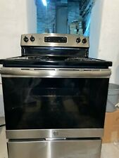 """Ge 30"""" Free-Standing Electric Range. Local pickup only"""