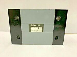 """8L304-102 Parker Compair 3/2-Way 1/2"""" Air-Pilot Pneumatic Directional Valve"""