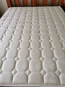 Queen size Mattress nearly new