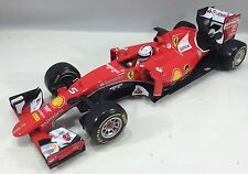 Bburago - 18-16801 -Ferrari Formula 1 F1 SF15T Sebastian Vettel Scale 1/18 - Red