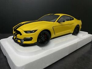 FORD MUSTANG SHELBY GT-350R TRIPLE YELLOW 1/18 AUTOart 72932