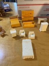 VTG large lot  PLASTIC DOLLHOUSE  FURNITURE unmarked DH1
