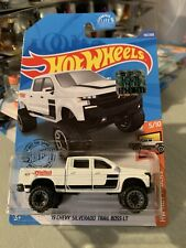 HOT WHEELS 2019 Factory Sealed Set /'19 Chevy Silverado Trail Boss LT 4x4 Pickup