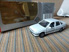 Opel Vectra A 4 doors 1/43 Gama