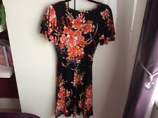 BNWT Dorothy Perkins flattering floral dress size 10