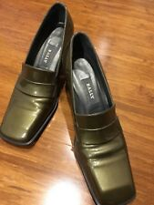 NEAR NEW BALLY OLIVE GLOSS LEATHER MID HEEL SLIP ON SHOE SQUARE HEEL US7 EU4 1/2