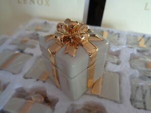 LENOX WEDDING GIFT BOX FAVORS (19 total)