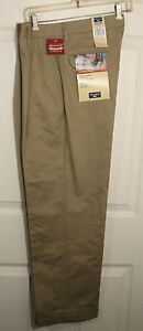 DOCKERS MEN PLEATED FRONT INDIVIDUAL RELAXED FIT KHAKI CUFF HEM PANTS 30X30 NWT