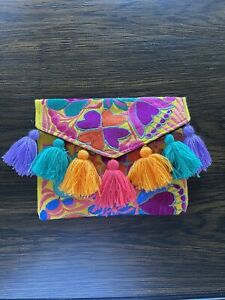 Mexican embroidered clutch, Floral bag, Crossbody Embroidered Chiapas/Oaxaca