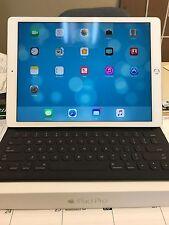 Apple iPad Pro 32GB, Wi-Fi, 12.9in - Silver with Keyboard