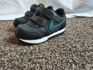 Nike MD runner 2 infant 6.5. VGC
