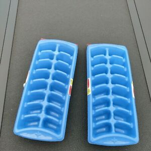 2 Pack Rubbermaid Ice Cube Tray Blue. 2 pack NEW 4 Trays