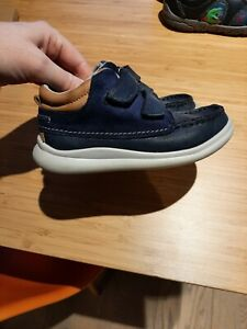 Boys Clarks Shoes 9G Navy Leather smart shoes