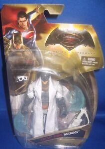 DC UNIVERSE COMICS ARCTIC ZONE BATMAN VS SUPERMAN COLLECTOR FIGURE
