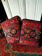 Turkse kussens sumac, hoofdkleur rood. Materiaal wol, 2 stuks.