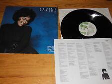 LAVINE HUDSON - BETWEEN TWO WORLDS / UK-LP MINT- & 7'' SINGLE, PHOTO, PROMO-BLÄ.