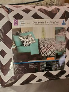 Mainstays Complete Bedding Set, 8 Pieces, King Size!  NEW IN PACKAGE