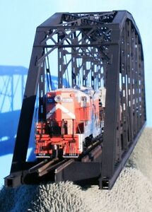 HO Scale -- 200' Single Track Parker Truss Bridge (Kit),  #CVM-1901