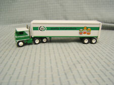Winross Lucky Leaf Quality Fruit Products Tractor Trailer 1/64  Made in USA 1981